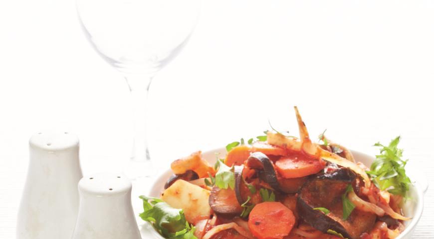 Szybkie ratatouille z pieczonych zimowych warzyw i parmezanem