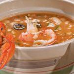Супа од домати со crayfish опашки